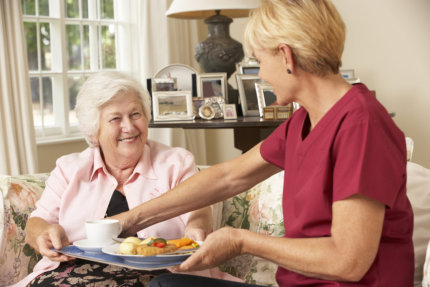 Dementia Care: Helping to Maintain Proper Nutrition